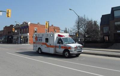 В Канаде мужчина избил молотком десять человек в офисе