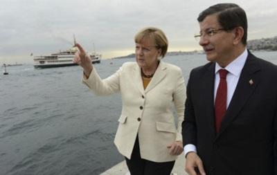Меркель приехала в Турцию обсуждать миграционный кризис