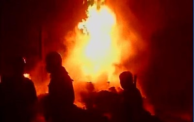 В столице Индии пожар уничтожил 400 жилых строений