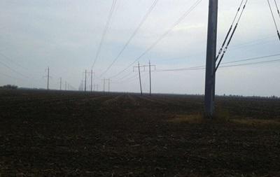 На границе с Крымом подорвали еще одну электроопору