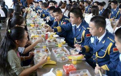 В Китае беднякам предложили делиться женами