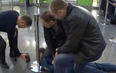 Главный инспектор таможни  Борисполя  попался на взятке