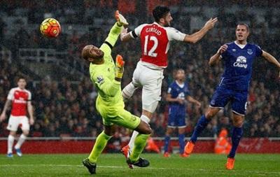 Арсенал обыграл Эвертон и вышел в лидеры чемпионата Англии