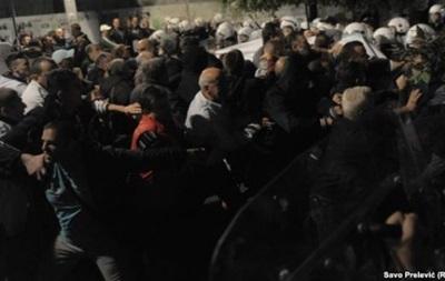 Около 40 человек пострадали при разгоне митинга в Черногории