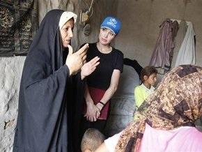 Анджелина Джоли посетила лагерь иракских беженцев