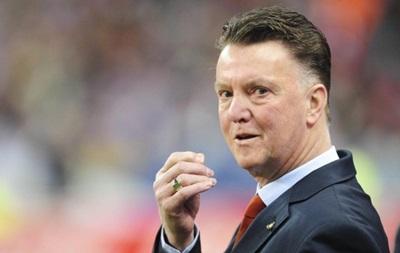 Луи ван Гал: МЮ нуждается в новых игроках