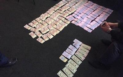 Харьковского коммунальщика поймали на взятке в 250 тысяч гривен
