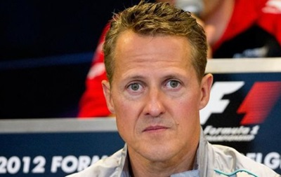 Екс-глава Ferrari: Шумахер продовжує боротися за життя