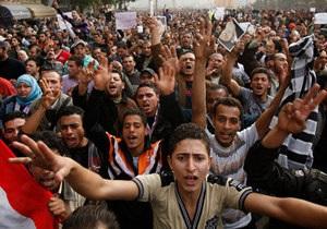Египетские власти уволят сторонников Мубарака из полиции