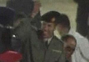 Ливийское ТВ показало сына Каддафи, которого повстанцы объявили убитым
