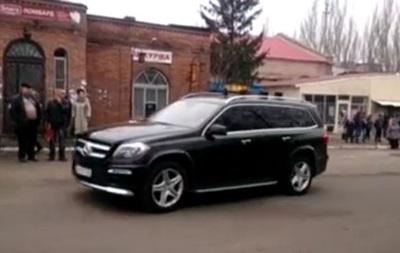 Жители Дебальцево засняли кортеж Захарченко