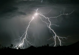 В Дании за ночь зарегистрировали 40 тысяч ударов молнии