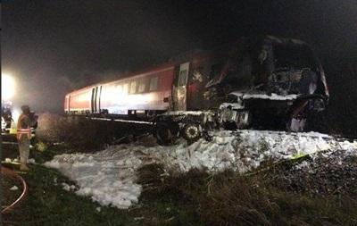 В Германии поезд врезался в грузовик, есть погибшие
