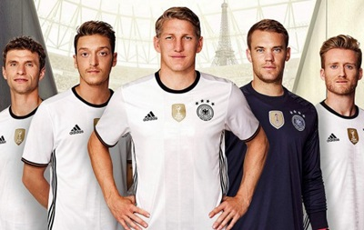 Сборная Германии представила форму на Евро-2016