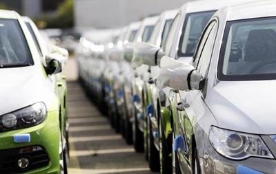 В России почти на 40% обвалились продажи авто