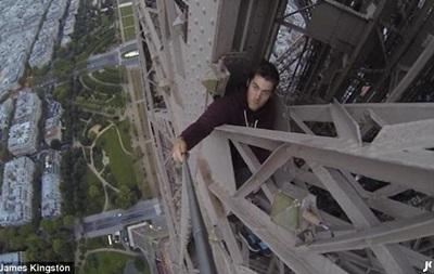 Джеймс Кингстон на Эйфелевой башне