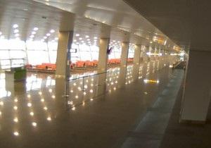 В аэропорту Киев также ищут взрывчатку, Борисполь возобновил работу