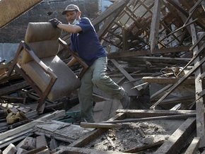 Число жертв землетрясения в Индонезии превысило 100 человек