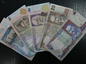 В Чернигове бухгалтер два года получала зарплату на вымышленных лиц