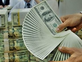 Доллар на межбанке дешевеет