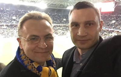 Виталий Кличко: Спасибо футболистам за убедительную победу над Словенией