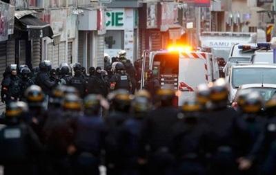 Спецоперация в Париже: мужчина закрылся на почте