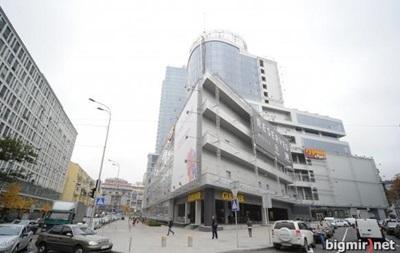 В Киеве из-за минирования эвакуировали самое высокое здание