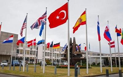 В декабре Черногорию пригласят в НАТО - СМИ