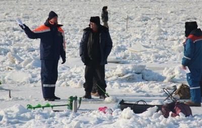 На Амуре ушел под лед снегоход с пассажирами