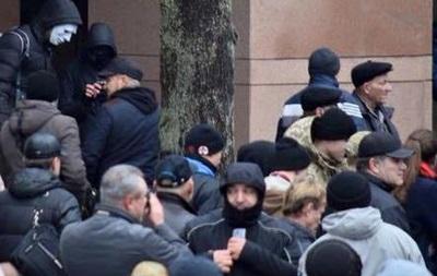 У Ахметова заявили о нападении на офис в Киеве