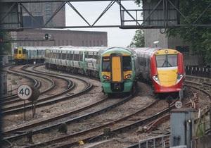 Из-за пожара в поезде закрыли лондонский вокзал Виктория