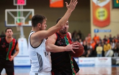 Суперлига: Химик громит Динамо, Кривбасс сильнее Мавп