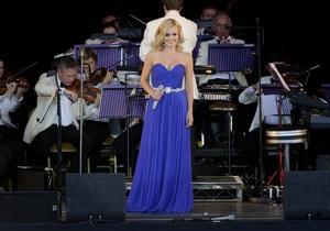 Британская оперная звезда, выступая в метро, заработала $25
