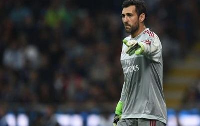 Милан намерен включить своего голкипера в сделку по выкупу Балотелли