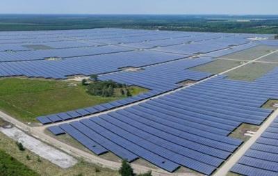 Франция запустила крупнейшую в Европе солнечную электростанцию