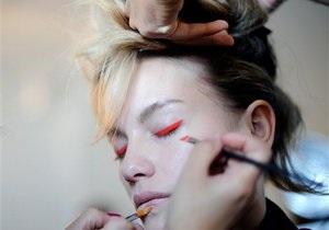 Форма женских бровей влияет на уровень женственности, заявляют психологи