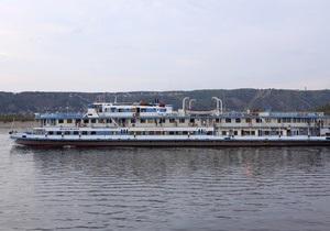 Верхнюю палубу Булгарии полностью подняли из воды