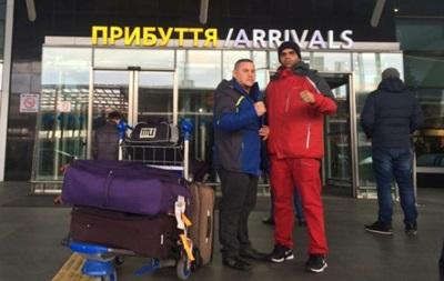 Соперник Усика прибыл в Украину