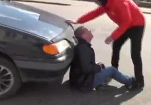 В ГАИ утверждают, что журналист Дорожного контроля сам бросился на капот автомобиля