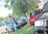 Киевские газоны хотят переоборудовать для парковки