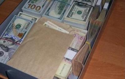 У задержанного за взятку чиновника Минобороны нашли еще тысячи долларов