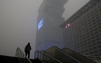 В Пекине сняли введенный из-за смога  красный  уровень тревоги