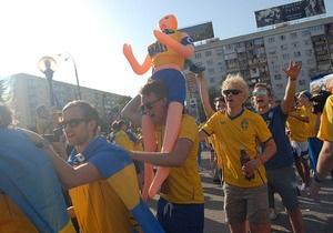 Шведского фаната ограбили во время шествия к Олимпийскому