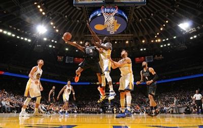 NBA: Голден Стейт обыгрывает Финикс нашего Леня