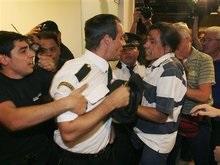 Разгневанные пассажиры разгромили аэропорт Буэнос-Айреса