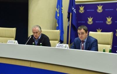 Фоменко: Планируем сыграть три-четыре поединка на сборах перед Евро