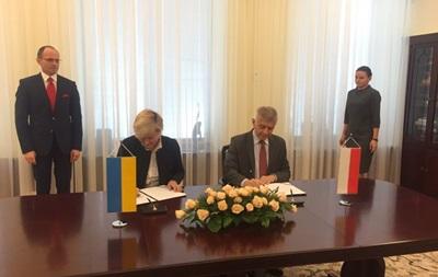 Украина и Польша обменяются валютами на миллиард