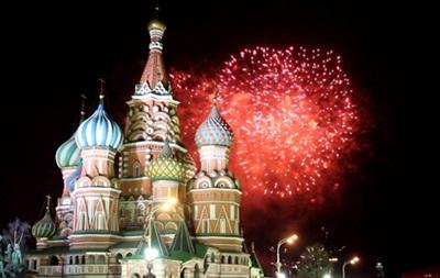 Россиянам рекомендуют отмечать Новый год дома