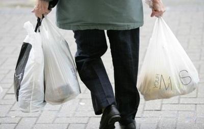 У Франції введуть заборону на поліетиленові пакети