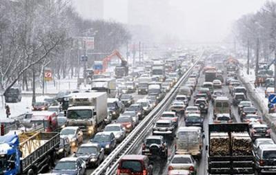 Пробки парализовали движение в центре Киева